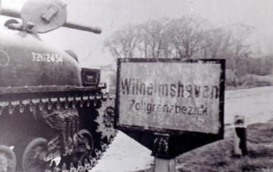 19051945 2