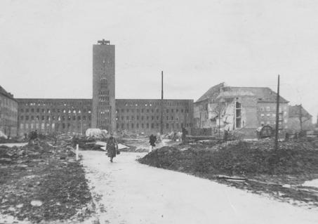 19051945 4